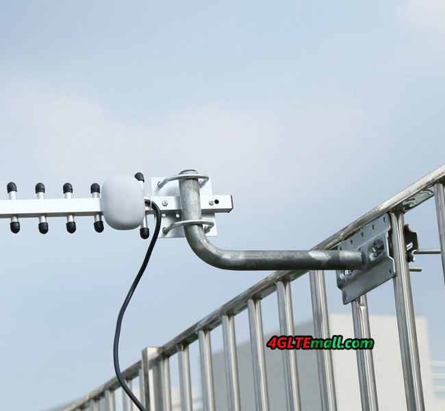 28dBi High Gain 4G Outdoor Yagi Directional Antenna