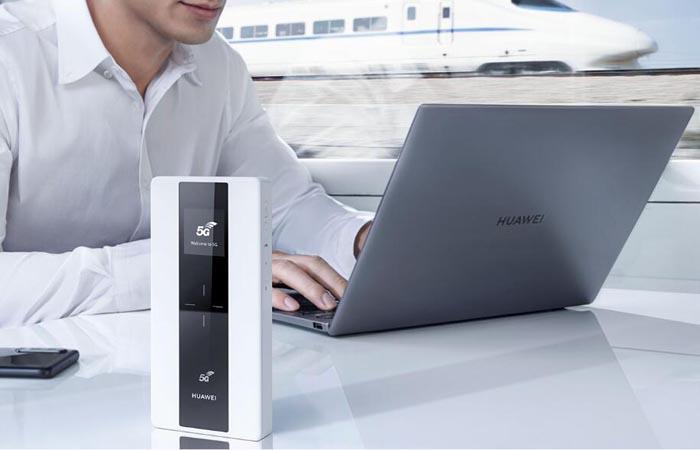 Huawei 5G Mobile WiFi E6878-870
