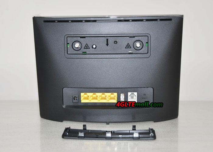 Huawei B525s-65a back interfaces